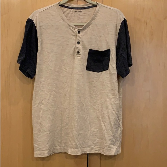 Banana Republic Henley Tshirt Size Large